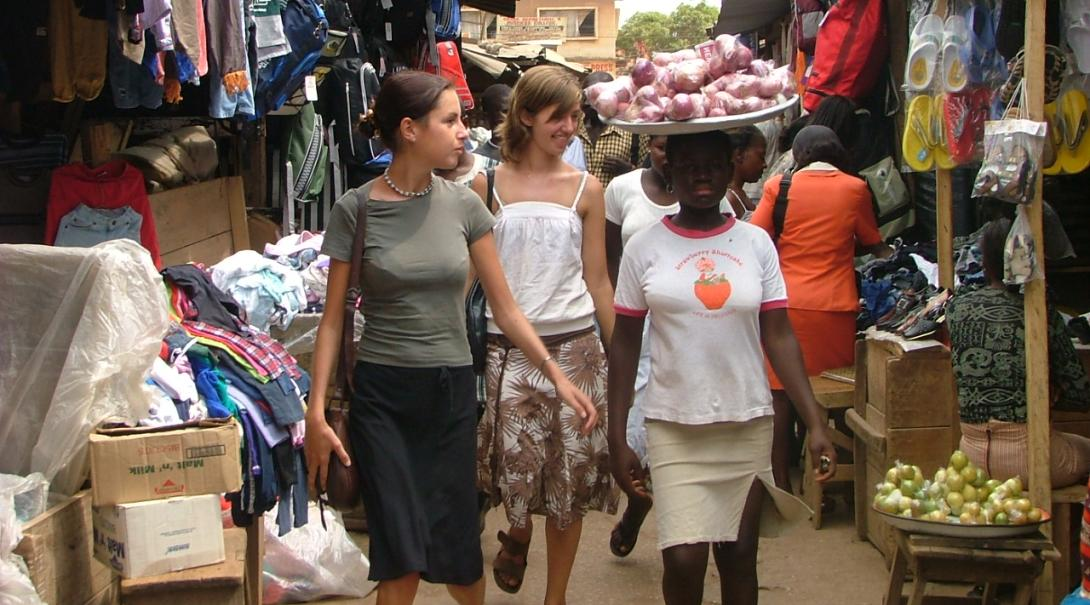 Projects Abroad high school volunteers explore Ghana during their medical internship for teenagers.